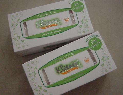 Kleenex Aloe and E tissue1